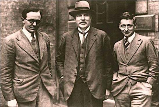 John Cockcroft, Ernest Rutherford et Ernest Walton au Cavendish Lab ©AIP